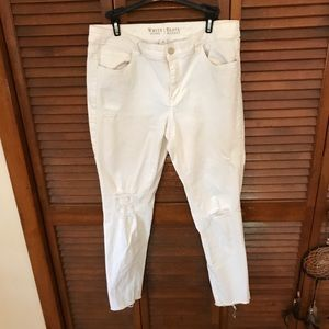 White House Black Market White Cropped Jeans